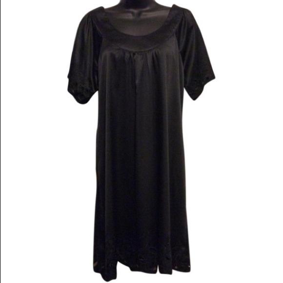 Vertigo Paris Dresses & Skirts - Vertigo Paris Black Dress